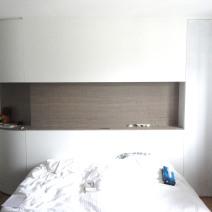 Tête de lit sur-mesure chambre parentale / Placage bois