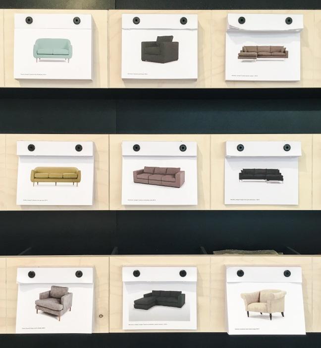 Quelques cartes du mur à cartes postales - Photo : Dounia Safouane