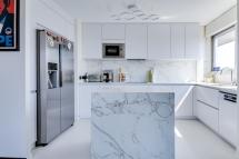 Cuisine et ilôt marbre