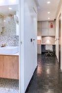 Bureau et salle de bain