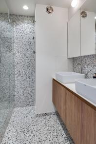Salle de bain mono-matériau